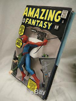 SIGNED By STAN LEE MARVEL AMAZING Fantasy SPIDER-MAN #15 3D COMIC COVER STATUE