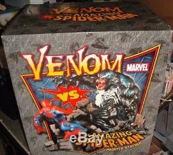 SIGNED STAN LEE Bowen Designs SPIDER-MAN vs VENOM DIORAMA STATUE Pack Sideshow