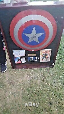 Signed Stan Lee Captain America Comic 1969 W SHIELD DC COMICS MARVEL AUTOGRAPHED