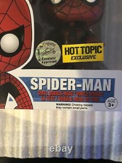 Spider Man Funko Pop Hot Topic Exclusive Signed Stan Lee & Andrew GarfieldRARE