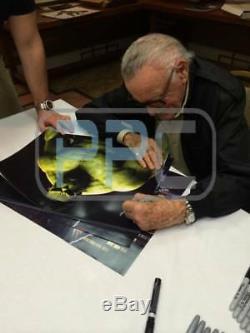 Stan Lee Authentic Signed The Hulk 16X20 Photo Marvel Comics PSA/DNA 2
