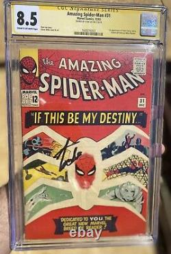 The Amazing Spider-Man #31 CGC 8.5 SS 1st App GWEN STACY- Signed By Stan Lee